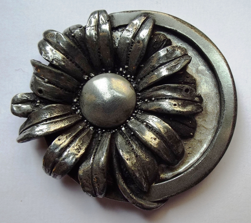 Daisy-moon Brooch in cold-cast Pewter ( with 'veil of smoke')